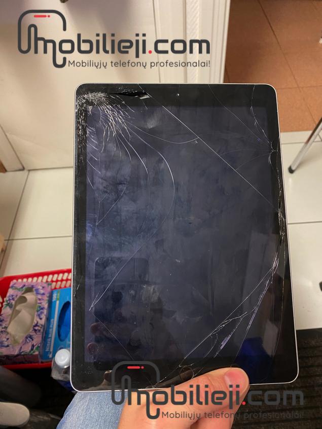 Apple iPad 5th. gen. lietimui jautraus ekrano keitimas